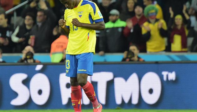 Enner Valencia celebra uno de sus goles