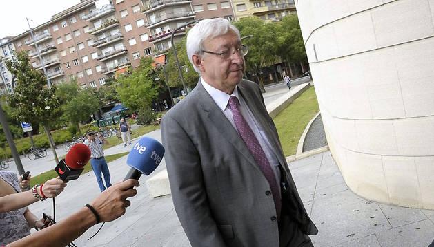 El exconcejal del Ayuntamiento de Pamplona Ignacio Polo, a su llegada al Palacio de Justicia de Navarra para declarar como imputado