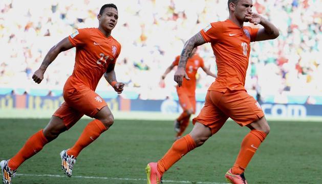 Sneijder celebra el gol del empate