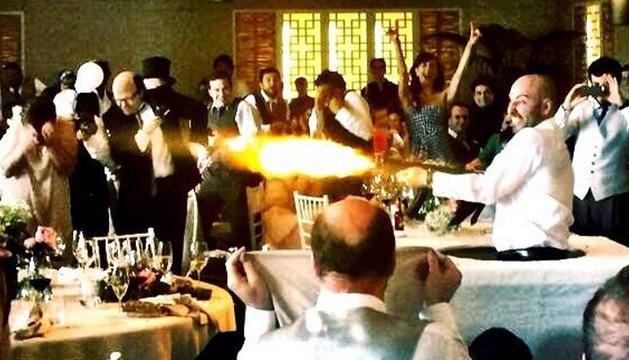 Un momento del banquete en la boda de Álex de la Iglesia y Carolina Bang