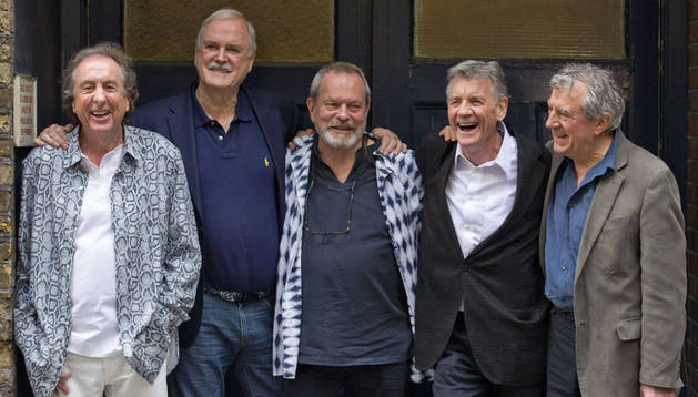 Desde la izquierda: Eric Idle, John Cleese, Terry Gilliam, Michael Palin y Terry Jones, en Londres