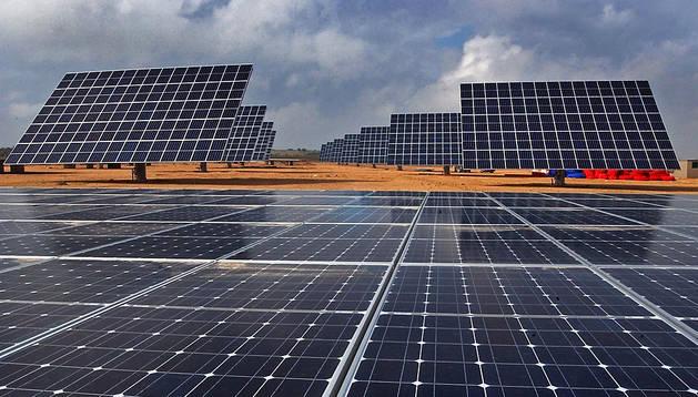 Imagen de archivo de unos paneles solares instalados en Milagro