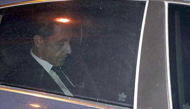 Sarkozy, tras declarar en el juzgado.