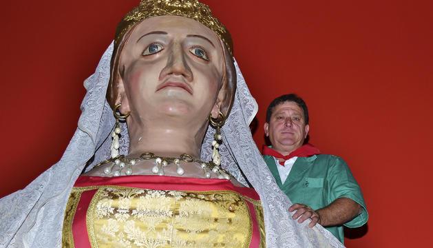 Mari Ganuza, junto a la Reina europea