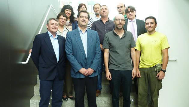 El director general de Medio Ambiente, Andrés Eciolaza, junto a representantes de ayuntamientos y mancomunidades