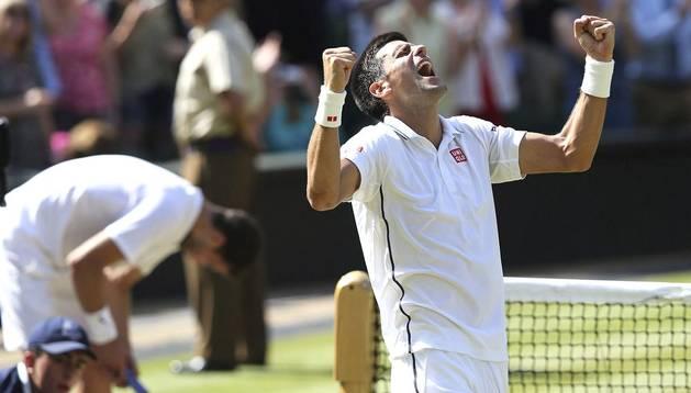 Novak Djokovic celebra su triunfo en la semifinal de Wimbledon 2014