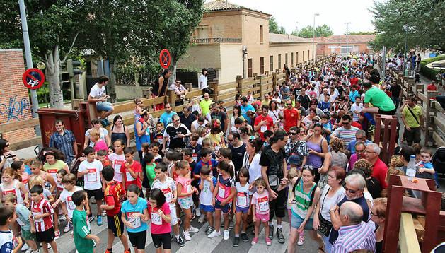 Corredores de todas las edades participaron el año pasado en la primera edición de la Carrera del Encierro de Tudela