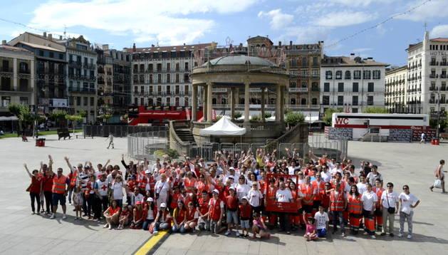 Foto de familia de Cruz Roja Navarra