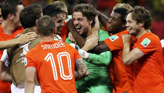 Los jugadores de Holanda celebran el pase a semifinales