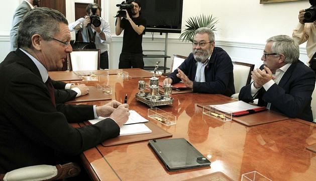 Gallardón, con Toxo y Cándido Méndez.