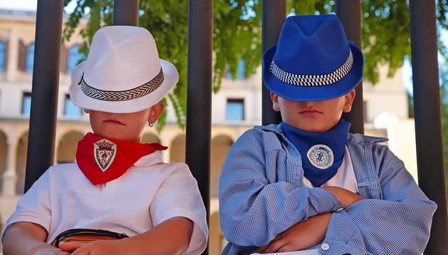 Los Blues Brothers tienen como mínimo  un par de seguidores en Pamplona