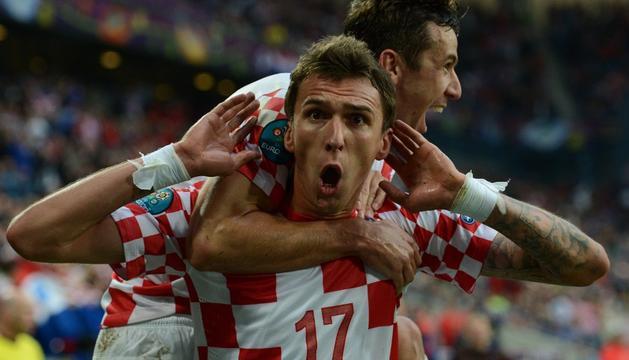 Mandzukic celebra un gol con Croacia