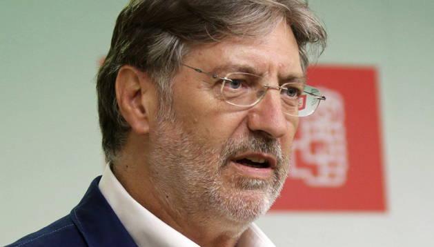 El candidato a la Secretaría general del PSOE, José Antonio Pérez Tapias.