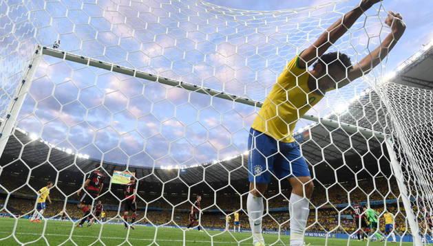 La derrota de Brasil ante Alemania ha provocado numerosos actos vandálicos en las principales ciudades de Brasil