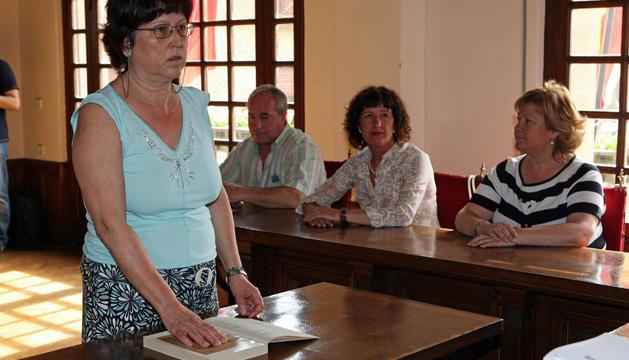 María del Carmen Ochoa en una de sus toma de posesión en Olite.