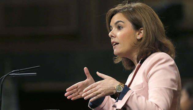 La vicepresidenta del Gobierno, Soraya Sáenz de Santamaría, durante su intervención en el pleno del Congreso de los Diputados