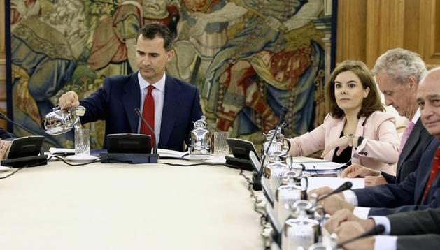 Felipe VI y varios ministros del actual gobierno