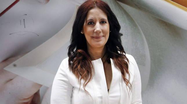 La escritora donostiarra Dolores Redondo posa este sábado en el festival de la Semana Negra de Gijón