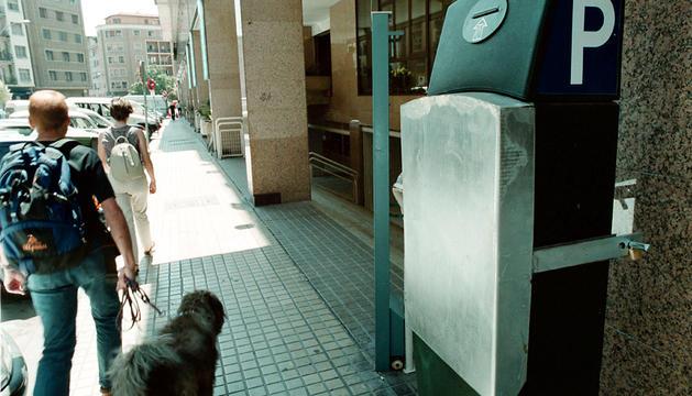 Un parquímetro en Pamplona con el protector.