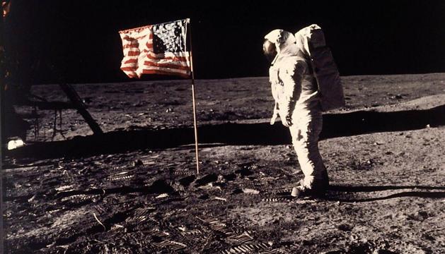 Un astrounauta de la misión Apollo 11, en la Luna