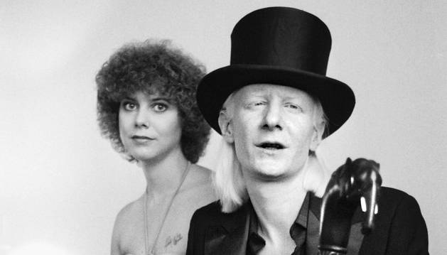 Una foto hizo en 1979. Johnny Winter y su novia Christine.