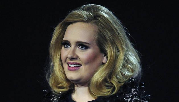 Adele recoge el premio Brit 2012 al mejor disco británico del año