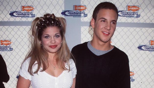Danielle Fishel y Ben Savage en la serie