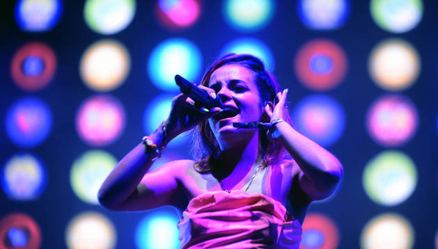 La cantante británica Lily Allen, durante un momento de su actuación en el FIB.