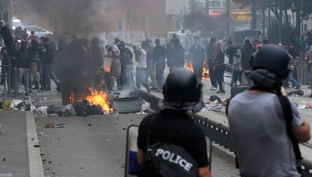 Disturbios en París tras una manifestación contra la invasión israelí de Gaza.