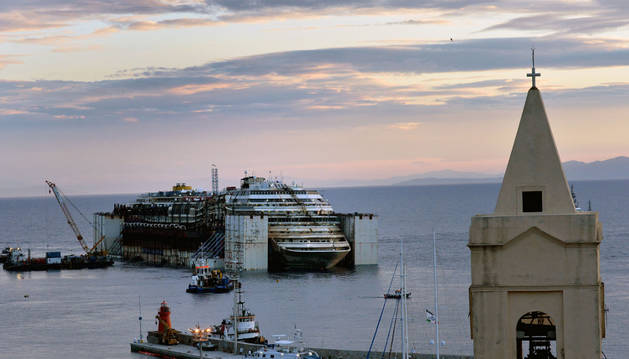 El Costa Concordia, antes de partir hacia Génova.
