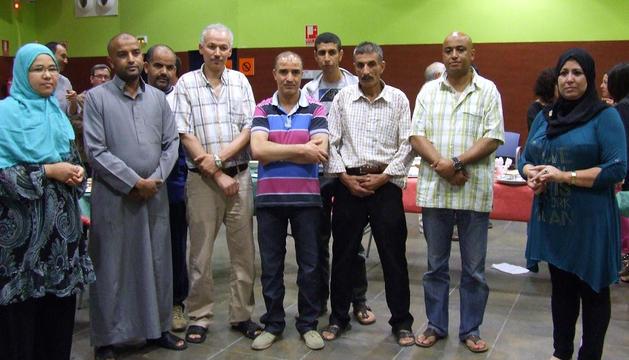 Miembros de la Comunidad Islámica de Castejón posan durante el 'Iftar'.