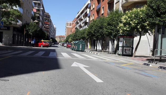 n la calle Abejeras, entre Serafín Olave y Erletokieta, se han señalizado una veintena de baches.