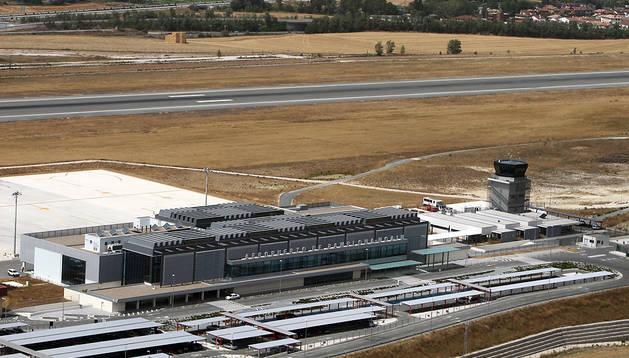 Nueva terminal del aeropuerto de Noáin-Pamplona. En las obras de remodelación del aeropuerto se gastaron 44 millones en los últimos años