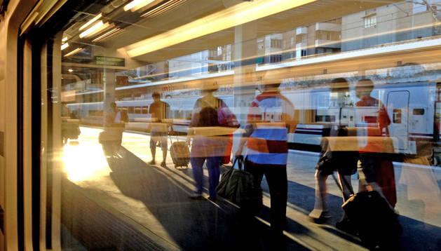 Estación del AVE, uno de los trenes por el que pujarán las empresas privadas.