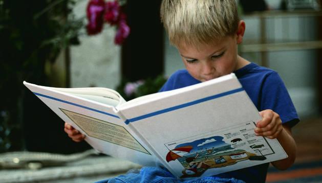 La lectura, fundamental para que los niños sigan desarrollandose  durante el verano.