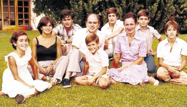 Los siete miembros de la familia Pujol Ferrusola