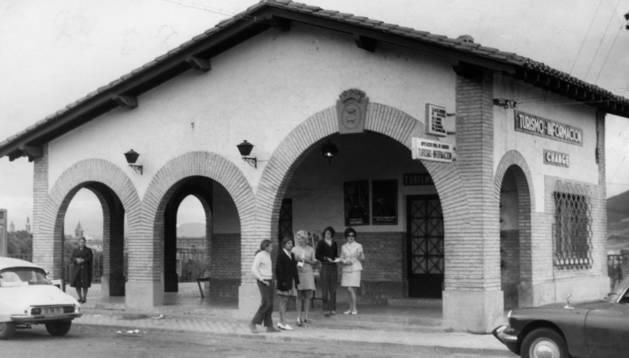 Baja Navarra. Oficina que Diputación inauguró el 6 de julio de 1967, en el antiguo fielato.