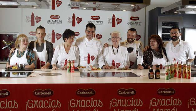Cuatro cocineros estrellas Michelin retan a sus madres entre fogones.