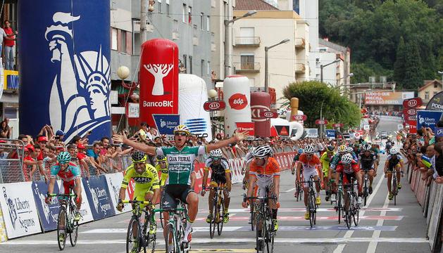 Victoria de Vigano en la meta de Braga