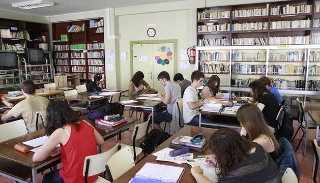 Alumnos de 1º de ESO del IES Navarro Villoslada en una clase de inglés en 2012.