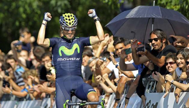 Alejandro Valverde, en su entrada a meta en el Boulevard