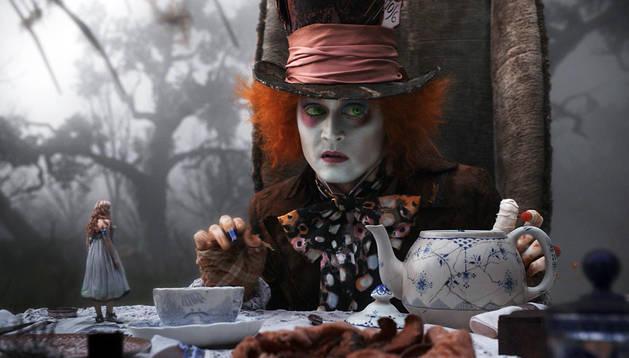 Depp, en el papel del sombrerero loco