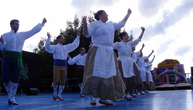 Instante de una de las interpretaciones del grupo tudelano en el festival de Lugo.