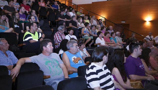 Público asistentes a la charla informativa que Podemos Tudela y Ribera celebró en Murchante.