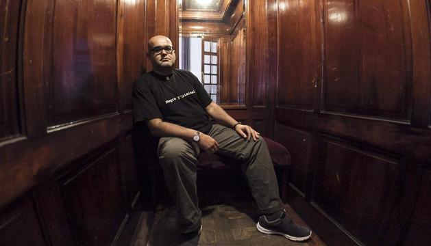 El autor de la mejor novela negra del año en español, Alexis Ravelo