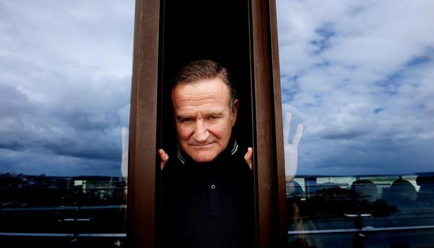 El actor y comediante estadounidense Robin Williams posando en Sídney