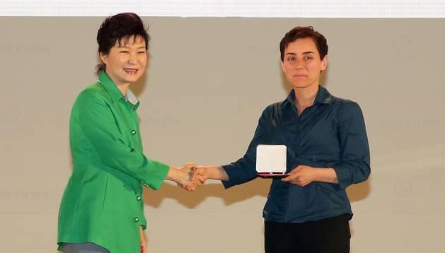 Mirzakhani, primer 'Nobel' femenino en de matemáticas