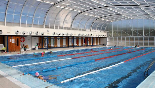 Imagen de las piscinas cubiertas municipales de Cintruénigo.