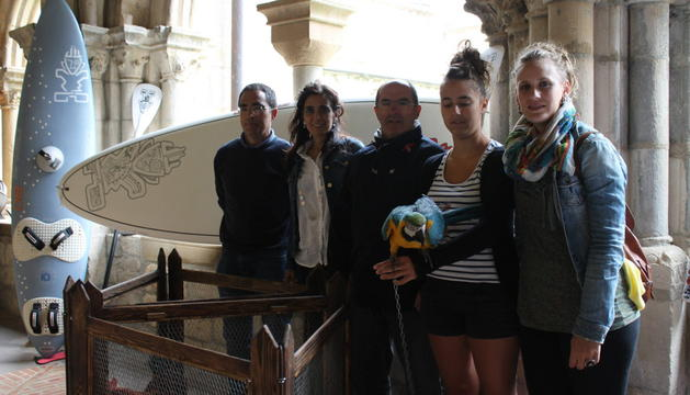 Luis Albéniz, Charo Apesteguía, Ángel Luis González, Sara Núñez y Ane Urra en el monasterio de Iranzu.
