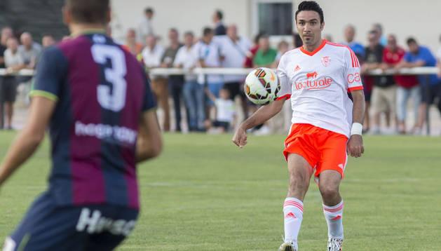Javad Nekounam, en el partido contra el Huesca en Buñuel